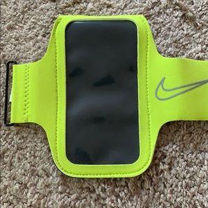 Nike running arm band